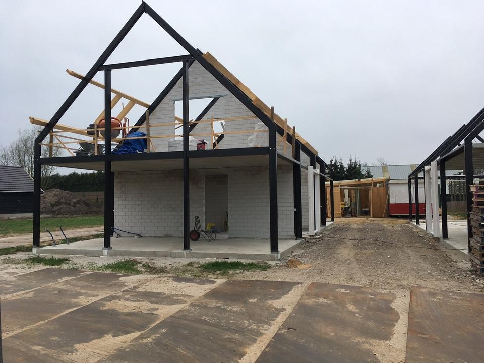 Nieuwbouw woning met bijgebouw