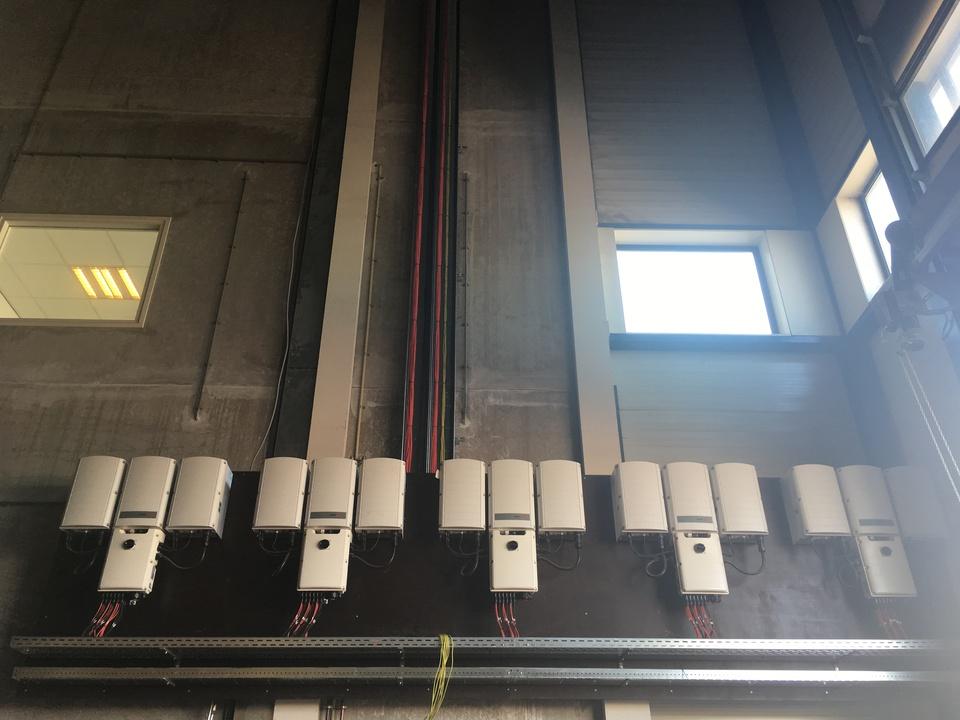PV Panelen bij Van Deuveren Transport