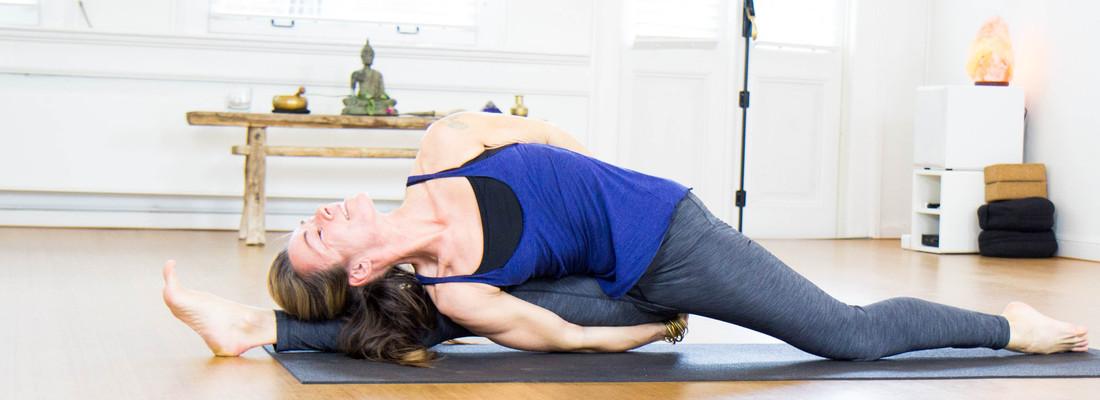 Vinyasa yoga (advanced ...