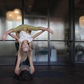Familie Acro Yoga, 3...