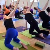 Wake-up yoga | zaal ...
