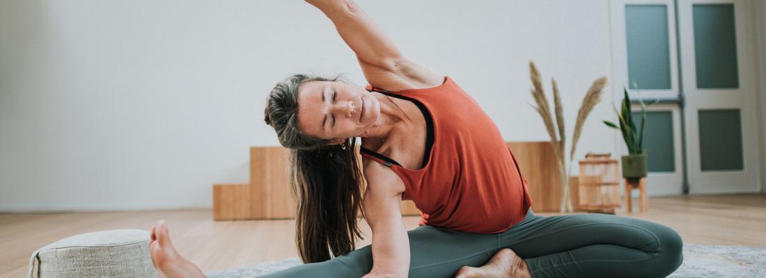 Vinyasa yoga & the Elem...