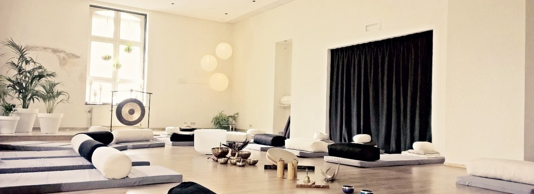 Unplugged Yoga & Sound ...